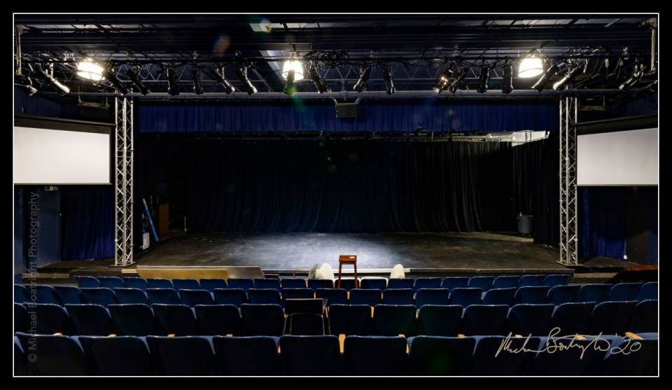 DarkHouses-OutFrontTheatre_MCB7890_websocial.jpg