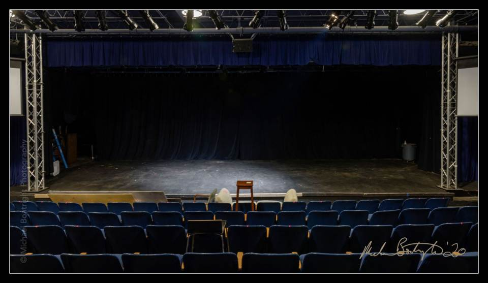 DarkHouses-OutFrontTheatre_MCB7893_websocial.jpg