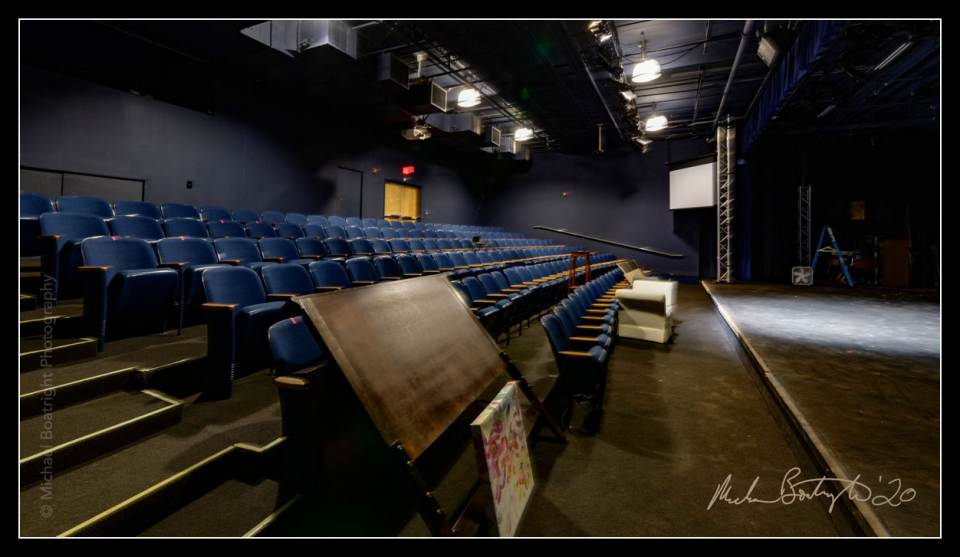DarkHouses-OutFrontTheatre_MCB7902_websocial.jpg